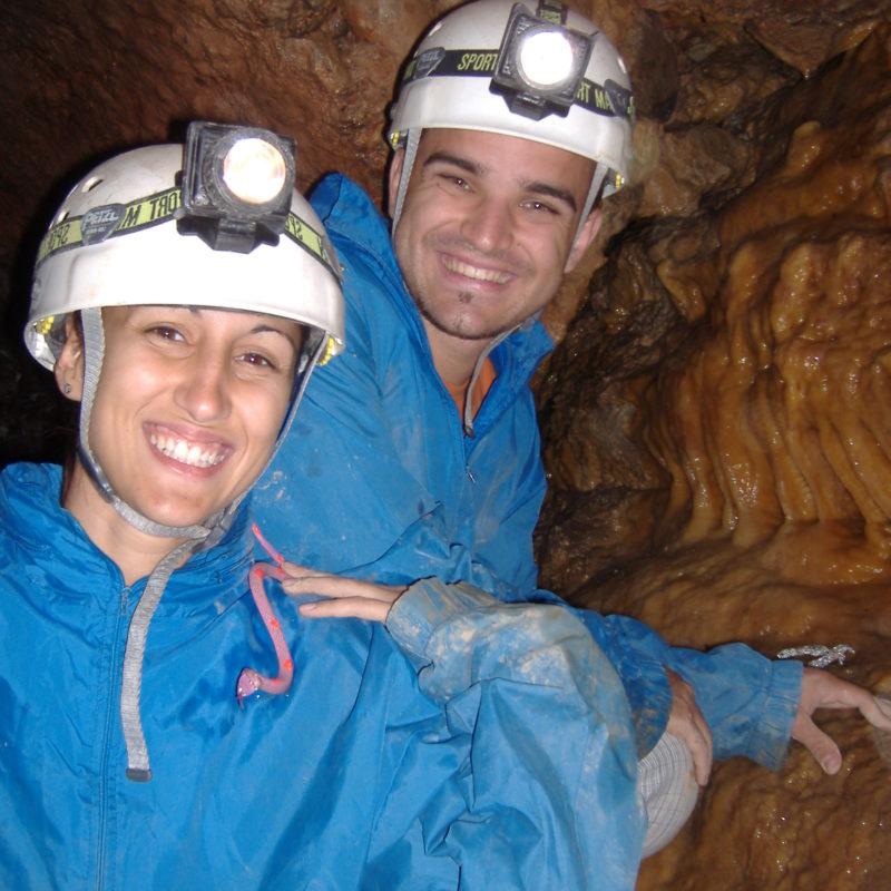 Activitat Aventura Espeleologia Amb Grups Monitors